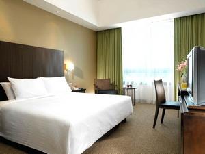Boulevard Hotel room deluxe king