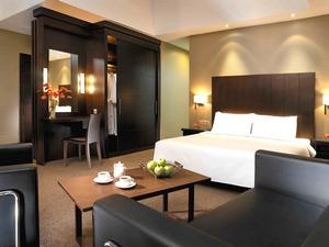 Boulevard Hotel room suite